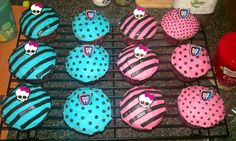 Monster High Cupcakes by ~iBEurNoob on deviantART
