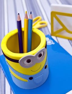 20 Adorable DIY Minions Craft Ideas. Alicia would love this.