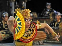 Bali, Traditional dance