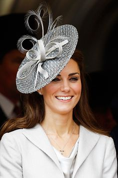 kate middleton fascinator - love this hat SO much