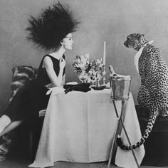 Photo by Sheila Metzner, Vogue, 1989 Black White Photos, Black And White Photography, Old Photos, Vintage Photos, Art Photography, Fashion Photography, Vogue Editorial, White Aesthetic, Pics Art