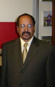 Mohamed Abdelaziz Mohamed Abdelaziz (Arabic: محمد عبد العزيز‎‎; 17 August 1947 – 31 May 2016) was the 3rd Secretary General of the Polisario Front and President of the Sahrawi Arab Democratic Republic from 1976 until his death in 2016. He died June 1 2016 from #LUNGCANCER