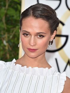 Valentine's Day Beauty Inspiration - Alicia Vikander's soft, subtle makeup  and stained lip | allure.com
