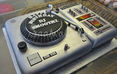 how to make a turntable cake spin
