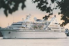 Song of Flower, Radisson, pictured on the Thames passing Greenwich on 14th August 1995