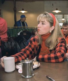 Throwback Outfits, Madam President, Hillary Rodham Clinton, 70s Aesthetic, 90s Outfit, Roll Neck, 90s Fashion, Retro Fashion, Powerful Women
