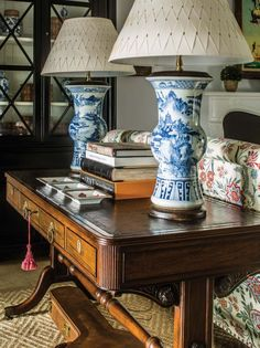 Leta Austin Foster's 10 Tips for Timeless Interiors Named among the Century's most influential interior designers by House Beautiful magazine, Leta Austin Foster established her design business in Palm Beach in which she expanded in the Contemporary Interior Design, Interior Design Tips, Studio Interior, Interior Livingroom, Decorating Tips, Interior Decorating, Decorating Websites, Design Websites, Holiday Decorating