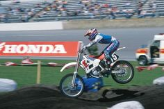 Bradshaw and Daytona. Two beasts of the East doing battle. Yamaha Motocross, Trike Motorcycle, Ktm Dirt Bikes, Beast Of The East, Famous Pictures, Honda S, Big Rig Trucks, Dirtbikes, Hot Rods