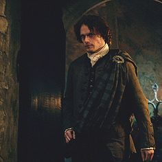 Jamie going to the oath-taking ceremony - The Gathering (gif)