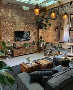 Brick Interior, Home Interior Design, Brick Wall Interiors, Interior Architecture, Brick Room, Brick Wall Tv, Living Room Brick Wall, Dining Room Design, House Rooms