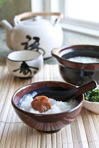 Okayu, Japanese Rice Porridge (Congee) with Umeboshi Pickled Plum お粥