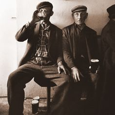 """A saying in America was """"Mind your P's & Q's"""".little do most know that it meant """"Mind your Pints & Quarts"""" as Irish women would say to their husbands - as it was tradition to stop at the 'public house' (Pub) on the way home from work. Old Pictures, Old Photos, John Millington, Images Of Ireland, Old Irish, Irish People, Historical Photos, Black And White Photography, Poses"""