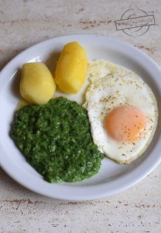Szpinak wg mojej Teściowej – Smaki na talerzu Eggs, Breakfast, Recipes, Dhal, Food, Meal Ideas, Cement, Diet, Morning Coffee
