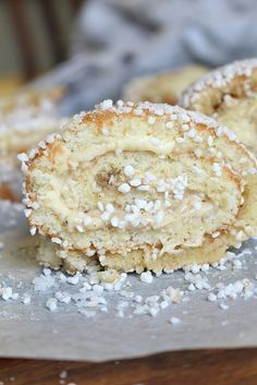 Kanelbullerulltårta Cookie Desserts, Cookie Recipes, Dessert Recipes, Bagan, Dairy Free Treats, Sandwich Cake, Swedish Recipes, Swedish Foods, Different Cakes