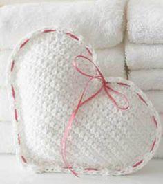 Heart Sachet | Make your own sachet | FREE sachet pattern from @joannstores