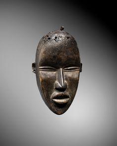 Dan mask | Virtual Tribal and Textile Art Shows Antelope Horns, Cincinnati Art, Museum Collection, Ivory Coast, Magazine Art, African Art, Abstract Pattern, Textile Art, Art Museum