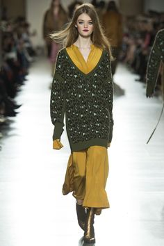 Topshop Unique Fall 2016 Ready-to-Wear Fashion Show - Willow Hand