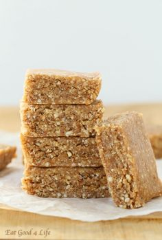 I have literally just made these almond coconut bars and they are plain sensational. I wanted to have a healthy snack and something that would keep me full for a while. These totally worked. Vegan Sweets, Vegan Snacks, Healthy Desserts, Raw Food Recipes, Snack Recipes, Paleo Vegan, Raw Desserts, Paleo Dessert, Gluten Free Desserts