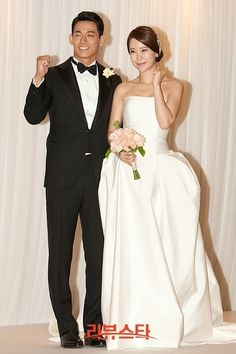 The 10 best South Korean celebrity bride and groom wedding ensembles of all time