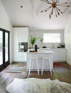 """small kitchen, good in cabin/cottage/guest house?  good reads: """"modern pastoral"""" www.sfgirlbybay.com"""