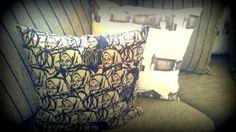 Mummutyyny, kohteessa Särkäntorppa / Kalajoen Loma-asuntomessut Throw Pillows, Bed, Toss Pillows, Stream Bed, Decorative Pillows, Decor Pillows, Beds, Scatter Cushions