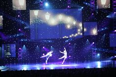 LED star drop stage backdrop! This is a beautiful way to create a peaceful and elegant vibe.