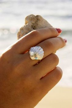 sea shell ring, reminds me of the little mermaid <3
