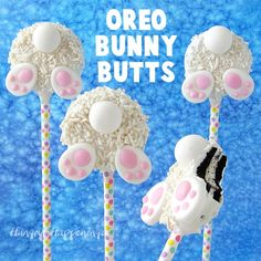 It is so easy to make these cute OREO Bunny Butt Cookies for Easter using Mega OREO Cookies, Candy Melts, and a Bottoms Up Bunny Decorating Kit from Wilton.These sweet lollipop cookies will look so adorable in your Easter baskets. Cute Easter Desserts, Easter Snacks, Easter Cupcakes, Easter Candy, Hoppy Easter, Easter Cookies, Easter Treats, Lollipop Cookies, Oreo Cookies