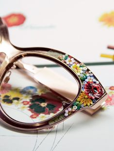 """modern"" Micro mosaics - Dolce&Gabbana Mosaico Eyewear—Inimitable Artwork Expressing the Most Refined in Premium Luxury Dolce & Gabbana, Glasses Frames, Eye Glasses, Outfit Chic, Jewelry Accessories, Fashion Accessories, Four Eyes, Ray Ban Sunglasses, Summer Sunglasses"