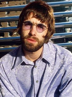Liamy G's beard | Live4ever Forum Liam Gallagher Glasses, Oasis Brothers, Liam And Noel, Circle Glasses, Noel Gallagher, Britpop, Just Believe, Band Photos, Cool Bands