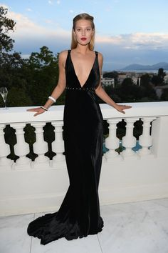 Toni Garrn attends the Montblanc dinner hosted by Charlotte Casiraghi for the collection launch 'Les Aimants at Villa La Favorite on May 2018 in Cannes, France. - 8 of 52 Toni Garrn, Festival Mode, Festival Fashion, Film Festival, Party Fashion, Fashion 2018, Nice Dresses, Prom Dresses, Formal Dresses