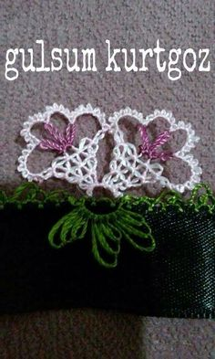 This Pin was discovered by Hir Needle Tatting, Needle Lace, Bobbin Lace, Needle And Thread, Crochet Home, Crochet Trim, Filet Crochet, Embroidery Stitches, Hand Embroidery