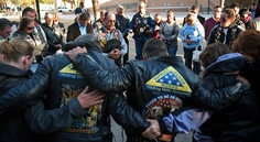 4 Killed in Texas Train Crash Were Military Veterans    Patriot Guard Riders gathered Friday in Midland, Texas, to pay tribute to the victims of Thursday's accident.