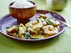 Cari aux crevettes avec des pommes de terre grelots