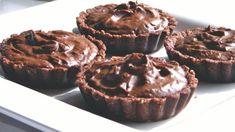 Chocolate-vanilla tarts with chocolate almond crust.