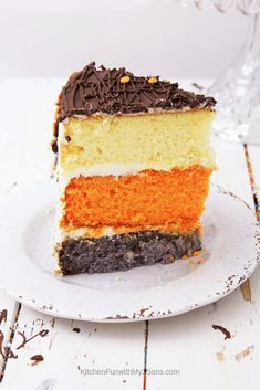 A single slice of pumpkin spice latte layer cake sitting on a white plate on a white wooden surface Chocolate Almond Bark, Milk Chocolate Ganache, Canned Frosting, Latte, Pumpkin Spice Cake, Layer Cake Recipes, Baking Flour, Teller, Stick Of Butter