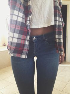 skinny jeans // white tee // flannel