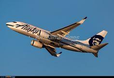 Alaska Airlines, Boeing 737 790 (N619AS) at Los Angeles (KLAX)