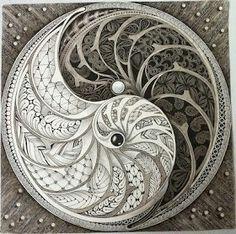 Doodles Zentangles, Zentangle Drawings, Zentangle Patterns, Art Drawings, Yen Yang, Ying Y Yang, Yin Yang Art, Zen Doodle, Doodle Art