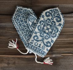 Just in time for the NHK Mitten KAL 2018, join thread at NH Knits Podcast. These quick-knit mittens in the Norwegian Selbu tradition produce a cozy result filled with symbolism for things the world could use a little more of right now: hope, love, kindness, and courage. Includes heart-shaped cinnamon roll recipe.