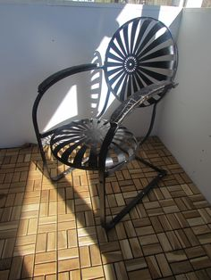 Vintage Metal Chairs And Retro Patio Tables - Vintage Metal Gliders,Old Fashioned Metal Chairs And Retro Metal Tables! Vintage Metal Glider, Vintage Metal Chairs, Vintage Outdoor Furniture, Metal Lawn Chairs, Metal Garden Furniture, Metal Tables, Patio Tables, Vintage Table, Painted Furniture