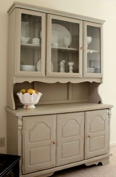 Pile o' Craft: painted hutch