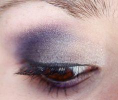 Urban Lipstick: Maquillage Violet-Gris aux reflets cachés