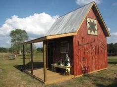 A cute garden shed built by a Missouri reader's husband in 2013 and painted by her @ Country Sampler Reader's Gallery. http://www.countrysampler.com/galleries/72-230.jpg