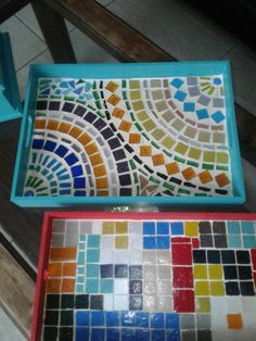 I like the colors and the design. Mosaic Tile Designs, Mosaic Tile Art, Mosaic Patterns, Mosaics, Mosaic Flower Pots, Mosaic Garden, Tile Crafts, Mosaic Crafts, Mosaic Tray