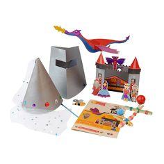 Caja BeeBox Medieval ⚒.  Cada caja de BeeBox incluye 3 o 4 manualidades con los materiales y el instructivo para desarrollar los proyectos, actividades que vas a encontrar en esta caja: Descubre… la época medieval Un móvil de dragón Un castillo medieval Sombrero de princesa y máscara de caballero medieval Catapulta.