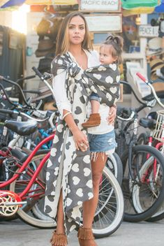 """Hope I look this """"cool and trendy"""" when I'm baby wearing. Ergonomic Baby Carrier, Baby Carrying, Best Baby Carrier, Baby Sling, Woven Wrap, Baby Makes, Baby Wraps, Baby Wearing, Baby Gear"""