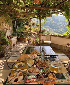 My Life in the Countryside: Photo Outdoor Life, Outdoor Living, Outdoor Spaces, Aesthetic Rooms, Travel Aesthetic, Aesthetic Girl, Dream Vacations, The Places Youll Go, My Dream Home