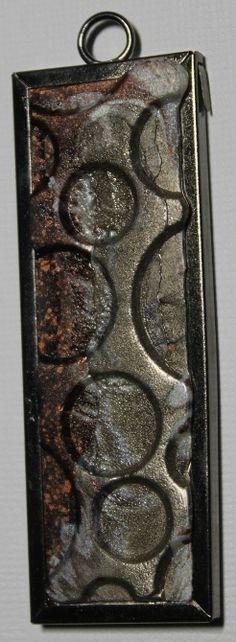 Utee pendant