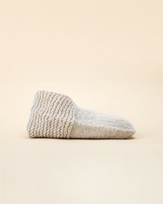 An updated version of classic 70's slippers. Knit without a purl stitch in sight! Simple and satisfying knitting pattern and a super useful wardrobe stable.